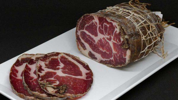 Cuisine Corse, charcuterie et fromages